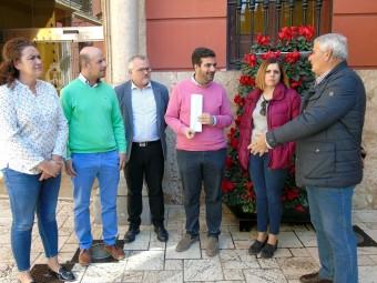 Alcalde, concejales de Medio Rural y Agricultura y representantes de las cooperativas lojeñas