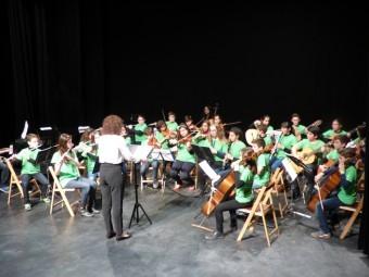 Alumnos del Conservatorio de Loja durante el reciente 'Concierto por la Igualdad'. J.Mª.J.