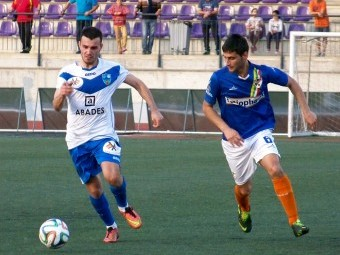 Luis Enrique durante un partido con el Loja Club Deportivo.