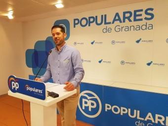 El diputado provincial del PP, Joaquín Ordóñez, en rueda de prensa. FOTO: EL CORTO