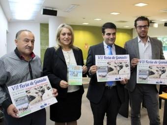 El presidente de Acrol y autoridades locales y de la Diputación en la presentación de la Feria