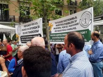 Agricultores lojeños, en el momento de la manifestación. FOTO: A. MARZOUZI