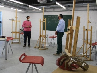 El alcalde y el concejal visitan las instalaciones de la Universidad Popular
