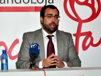 El secretario general de PSOE, Juan Francisco Mancilla, en rueda de prensa.