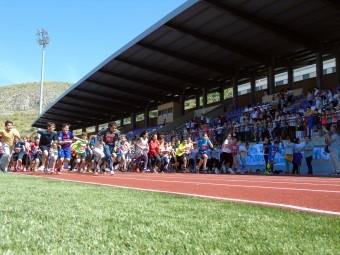 Un momento de la actividad, en la que participaron numerosos escolares. FOTO: C. MOLINA