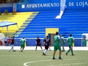 Uno de los partidos disputados durante este encuentro benéfico de peñas. FOTO: C. MOLINA