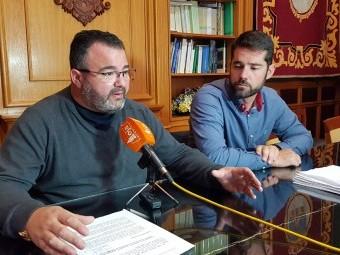 Gallego y Ordoñez, en rueda de prensa reclaman la falta de pediatras. FOTO: J. AGUILA