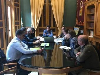 Reunión de trabajo entre Urbanismo y representantes empresa. FOTO: EL CORTO