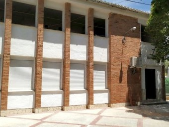Con el PFEA se ha acometido la mejora de la primera planta de la escuela. FOTO: CORTO