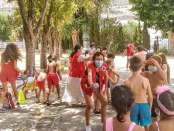 Una de las muchas actividades que se organizan en la Escuela de Verano. FOTO: C. R.