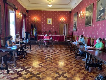 Momento de la reunión entre el Ayuntamiento y La Salle. FOTO: CARLOS MOLINA
