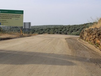 Carretera de Ventorros de San José en su llegada a la pedanía antes de su asfaltado