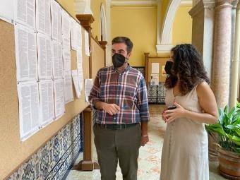 El alcalde y la concejala de Desarrollo presentan el nuevo Plan de Empleo. FOTO: CORTO